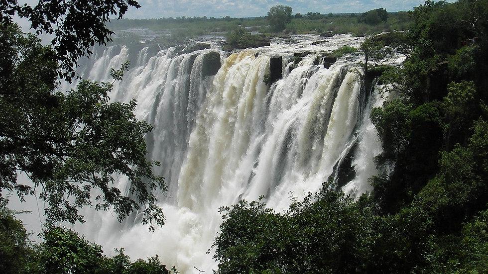 Victoria_Falls_Zambia_3.jpg