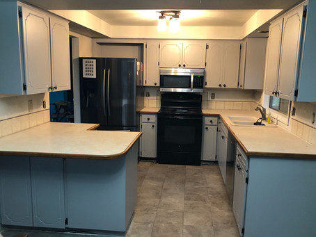 Kitchen Cabinet Makeover with Gray Paint