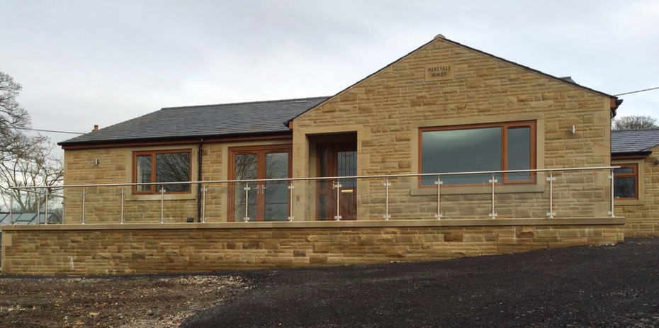 Stainless steel and glass balustrade sys