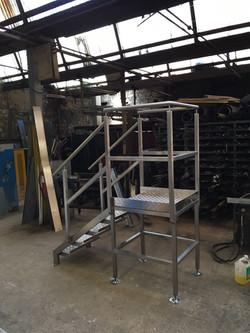 Aluminium platform and steps