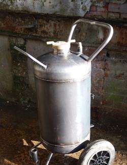 Industrial fire extinguisher