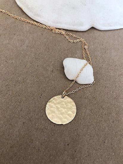 Collier médaille martelée JOY