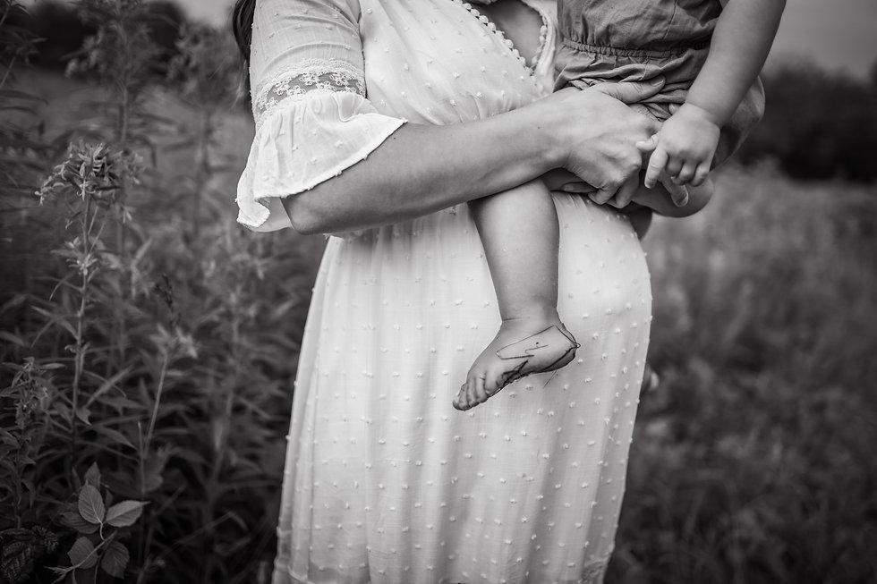 Wadsworth, Akron Family Newborn Maternity Photographer Jennyfer Marie Photography