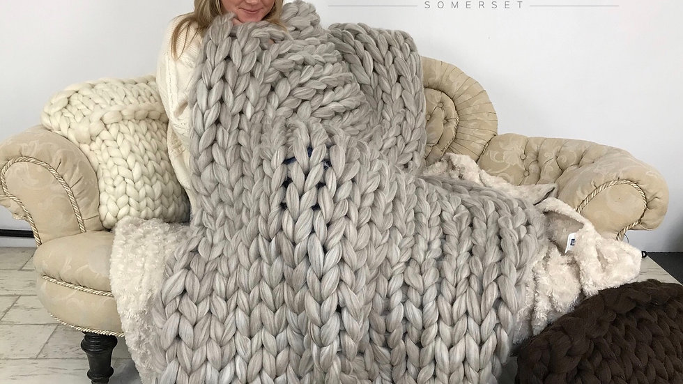 100% large woollen luxury blanket