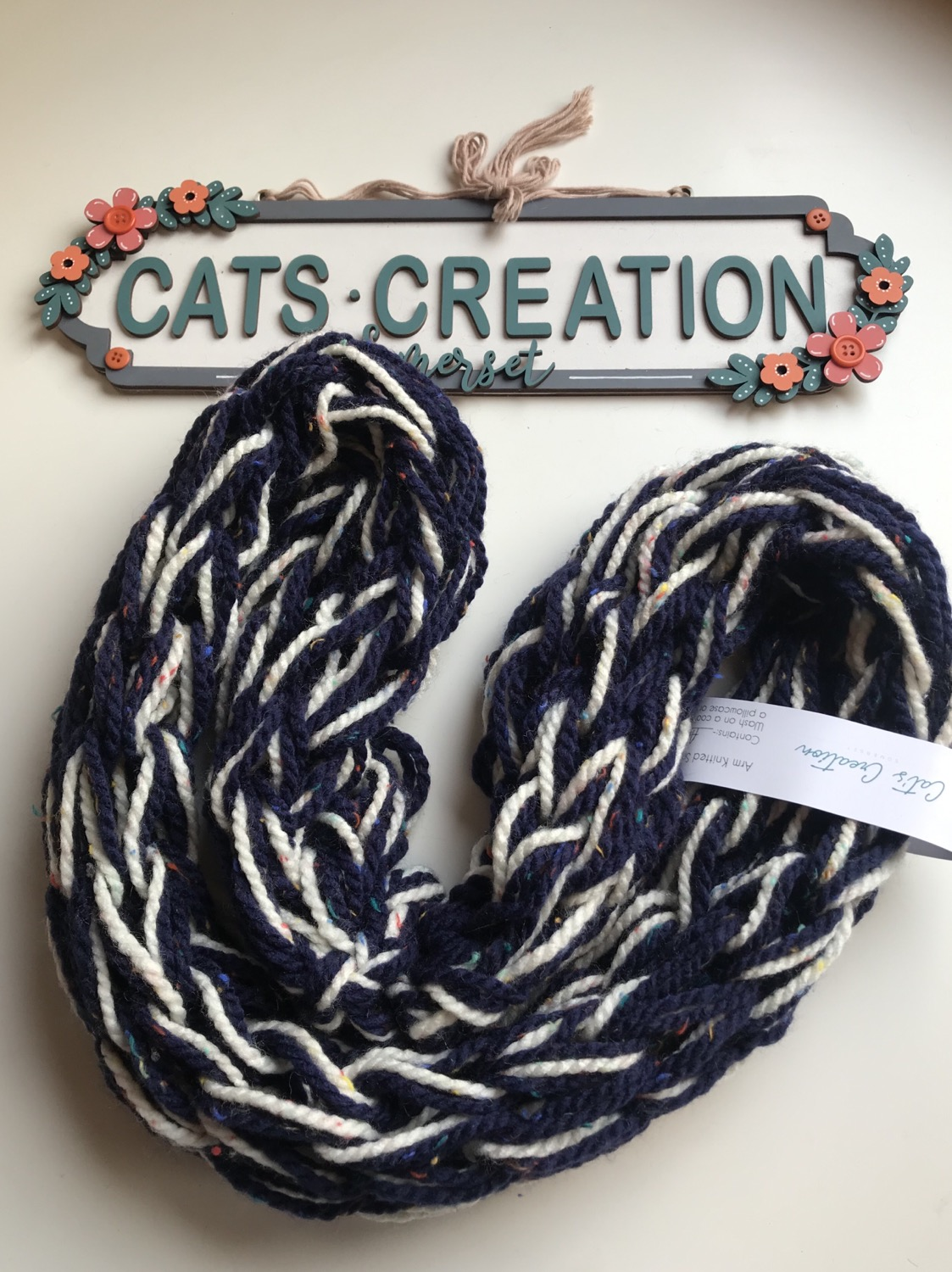 Double arm knitted snood cream/navy