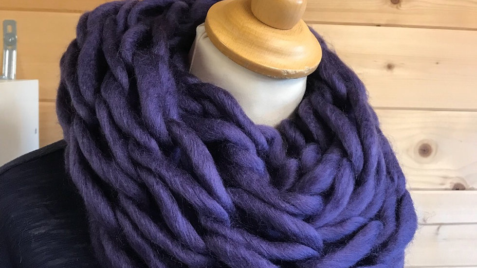 Arm knitted snood 'kitsch'