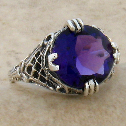 #115 - 4 Carat Amethyst Antique Design .925 Sterling Silver Filigree Ring.