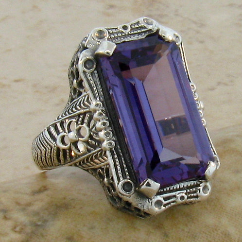 #254 – 9 Carat Color Changing Alexandrite & .925 Sterling Silver Antique Filigre