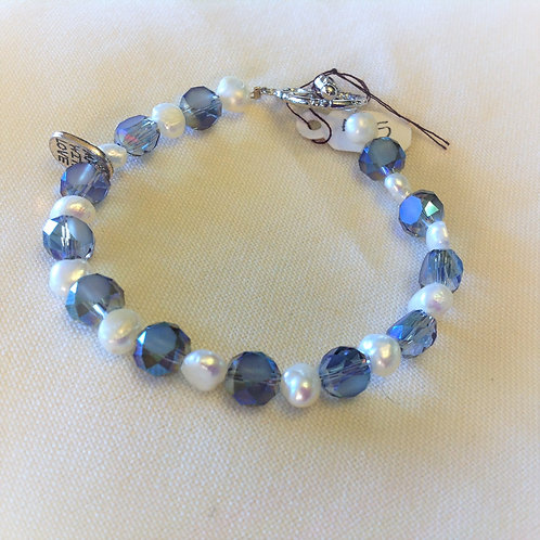 Item #505 – Periwinkle Crystal & White Freshwater faux pearls Beads