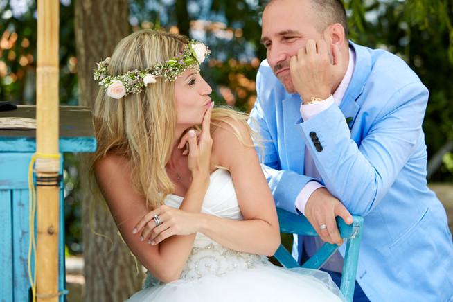 Skeptisches Brautpaar