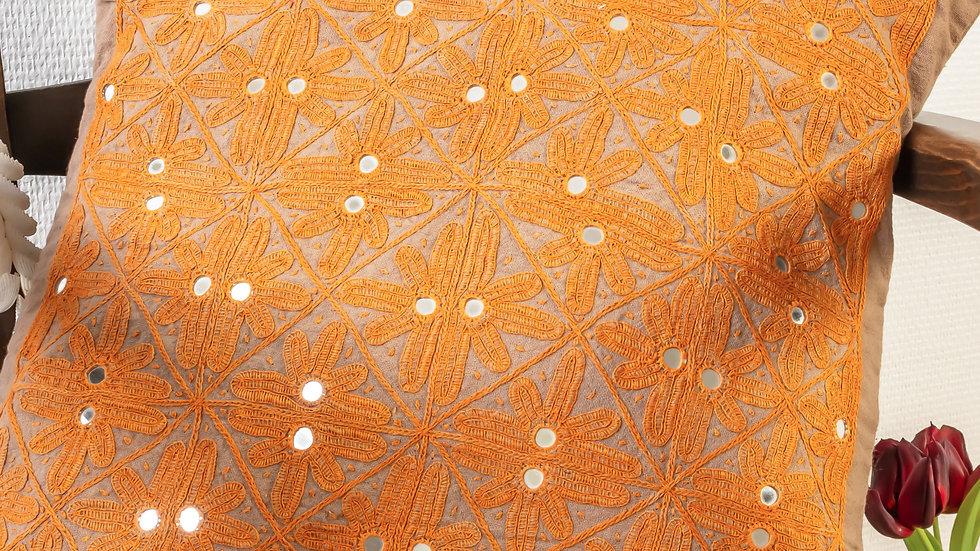 Paako Takiya (cushion cover)