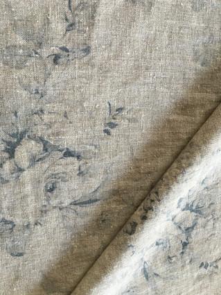 フレンチカントリーなインテリアにお似合いのカーテンを制作中です。