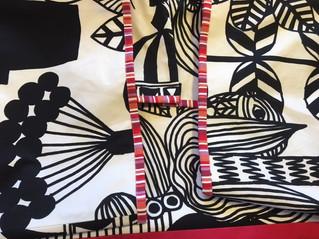 Marimekkoのリントゥコトでピアノと椅子のカバーを作りました。