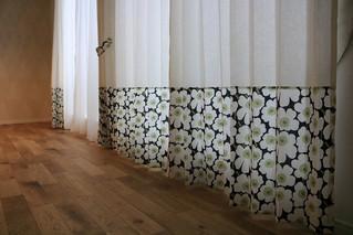 マリメッコのミニウニッコでデザインカーテンを作りました。