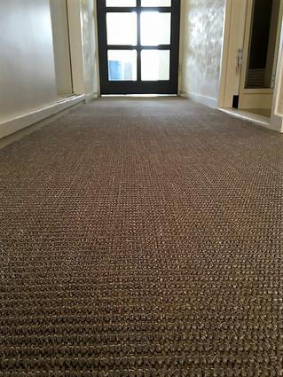 天然素材の床材など取り扱いをしております。インテリアリフォーム工事もお任せください!