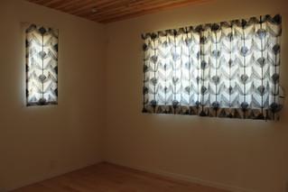 シナマーク社の生地でオーダーカーテンを作りました。