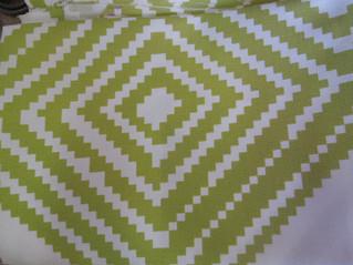 爽やかな若葉色のカーテン生地が入荷