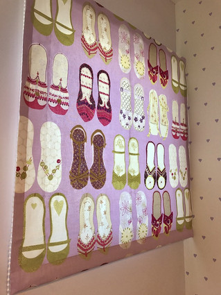 可愛い靴をデザインしたキュートなカーテン