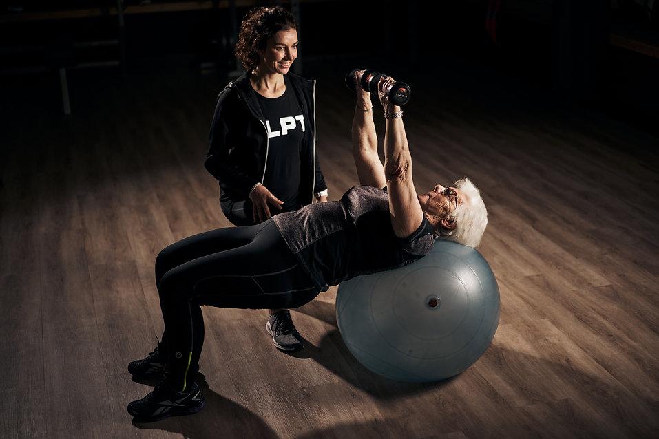 Senioren fitness nunspeet ouderen sport nunspeet sportschool ouderen senioren nunspeet