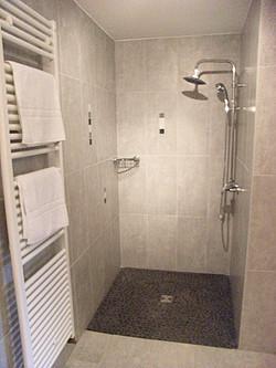 Chambre individuelle Salle de bain 02.jpg