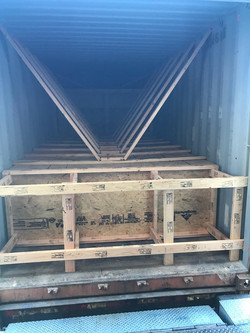 Blocking and bracing dangerous goods container according to IMDG code requirements