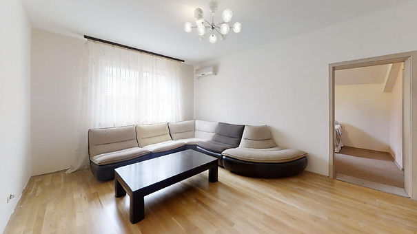 Apartament 4 camere Televiziune