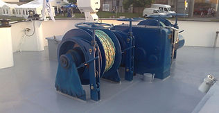 Treuil hydraulique d'ancrage mooring brelage pappillonnage guindeau cabestan crabot frein à bande appareil Manufor