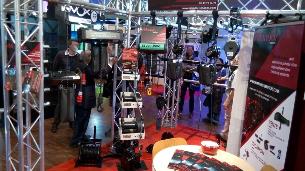 Stand MANUFOR treuils scéniques et spectacle manuel 230V 400V machinerie