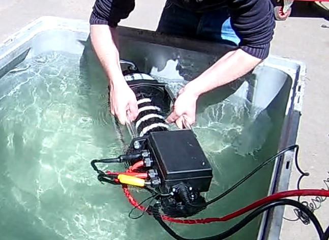 Treuil électrique 24V immersion deep fording résistant brouillard salin application militaire