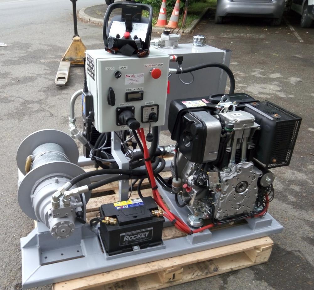 Treuil hydraulique de chantier et centrale hydraulique à moteur thermique