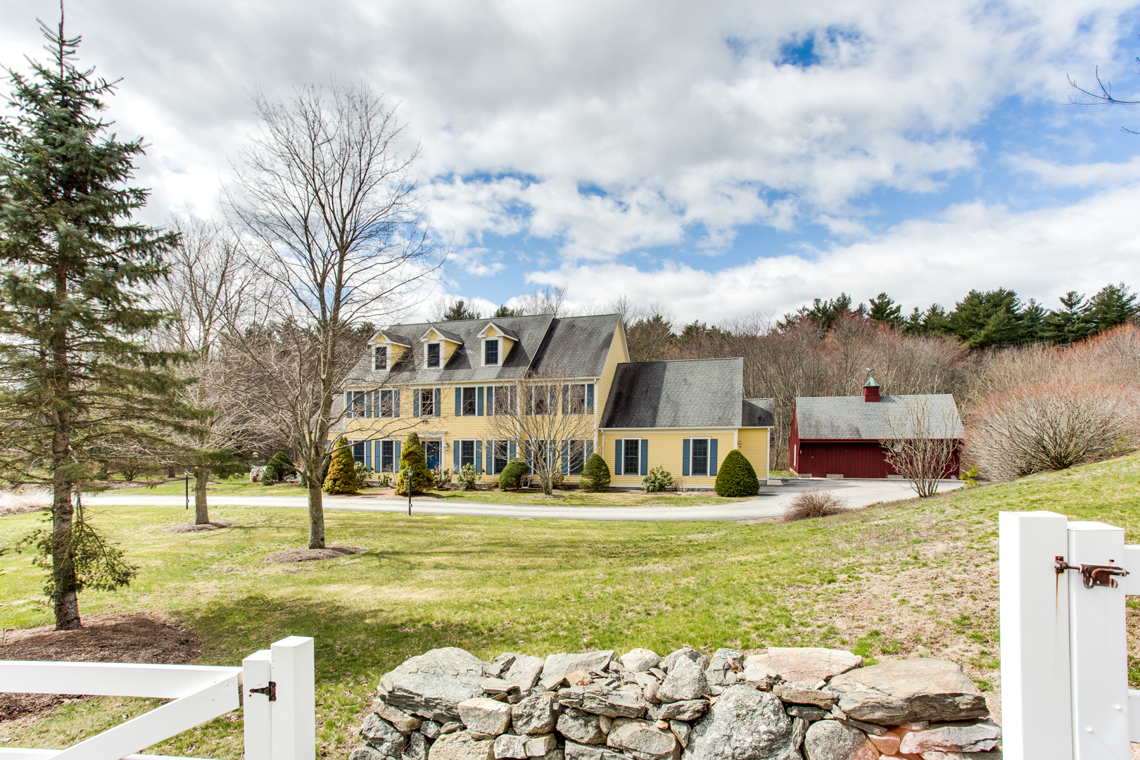 54 Dugg Hill Rd, Woodstock, CT-1
