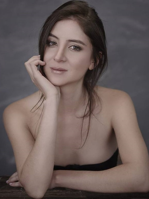 Laura Manrrique
