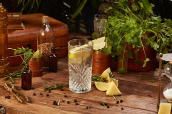 Mór Irish Gin product styling by Elk