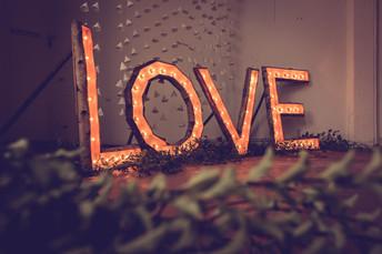 Light-up LOVE sign