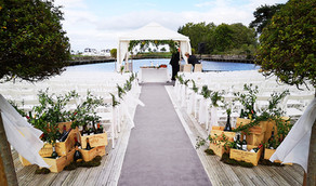 Aisle wine box and bottles ceremony decorations