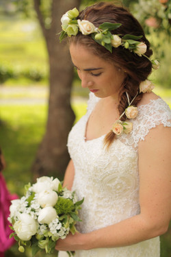 Bridal headpiece and bouquet