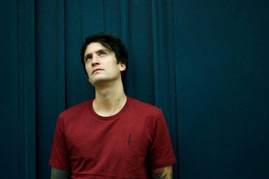 Tee-shirt rouge bordeaux Jermaine Toulouse. Coton bio.