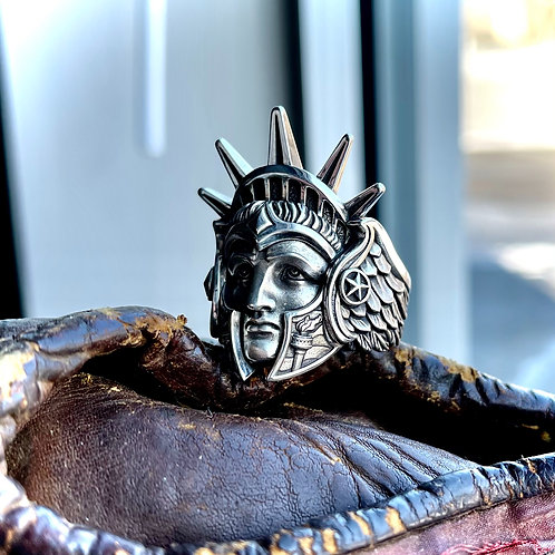 Metal Urgency - Strength of the Union in 925 Silver/ medium