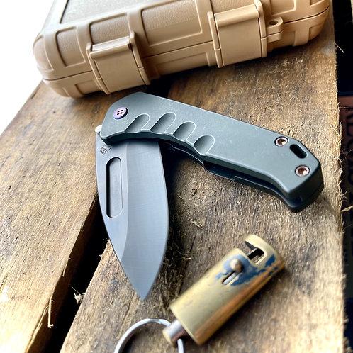 Medford Knife and Tool - Prea Swift fl flipper