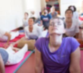 Gli alievi di Stefania Floreani al termine di una lezione di Himalayan Yoga