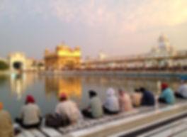 Il Tempio d'Oro di Amritsar è il luogo perfetto per la meditazione Yoga