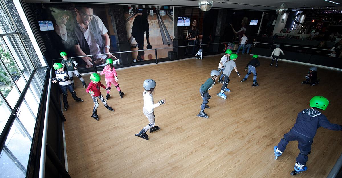 Royal Bowling roller skate 1