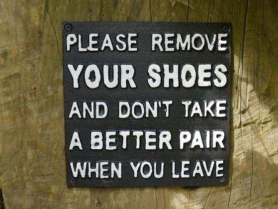 Please Remove Your Shoes Plaque