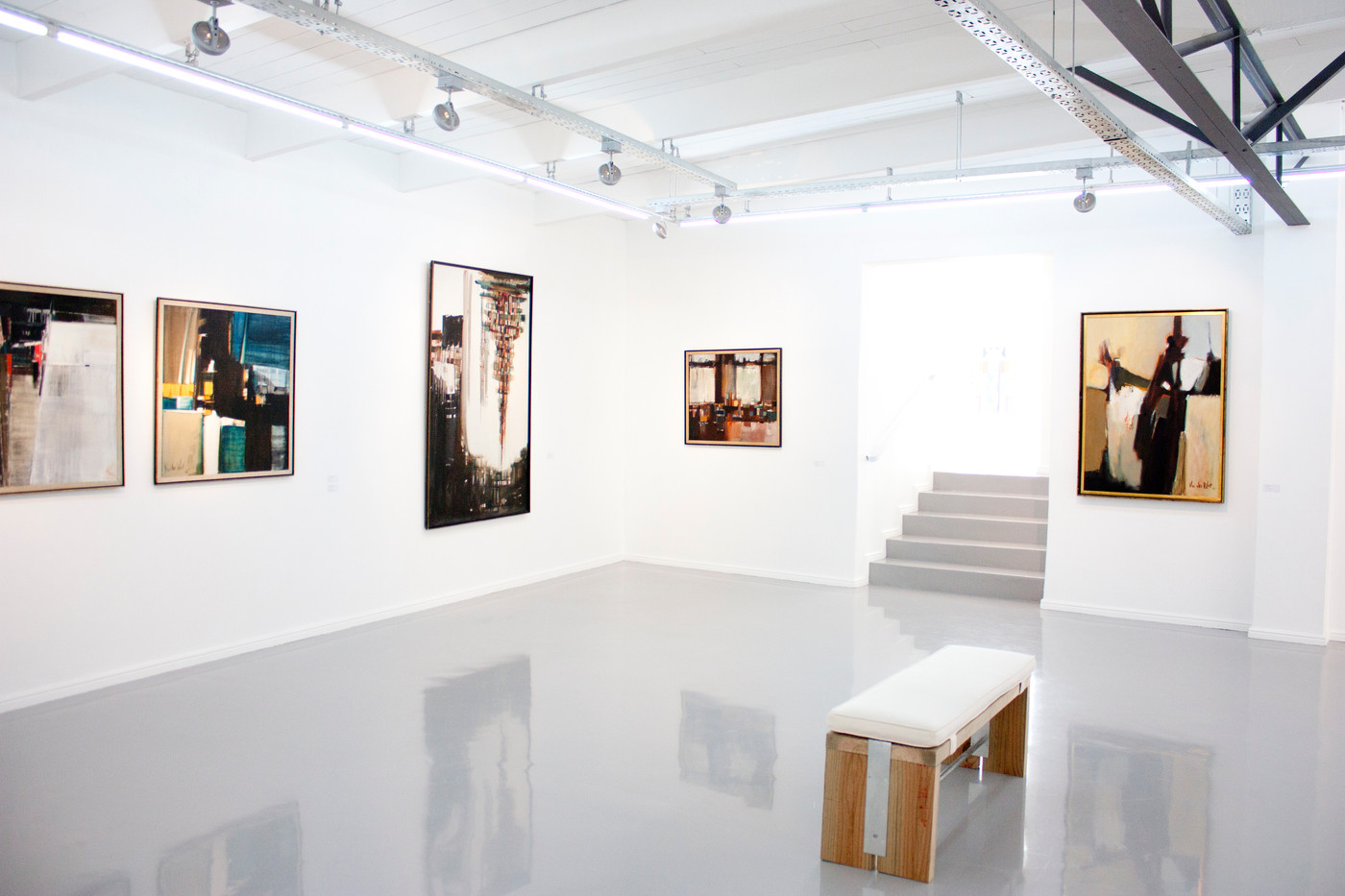 Hannatjie van der Wat | In Retro: Seventy-Year Career Survey (1943 – 2013) | 2013 | Installation View
