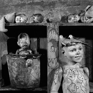 Roger Ballen | Abandoned | 2009 | Archival Pigment Print | 60 x 60 cm | Edition of 11