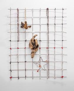 Sandile Zulu   Untitled II   2017   Wire, Newspaper and Beads   96 x 79 cm