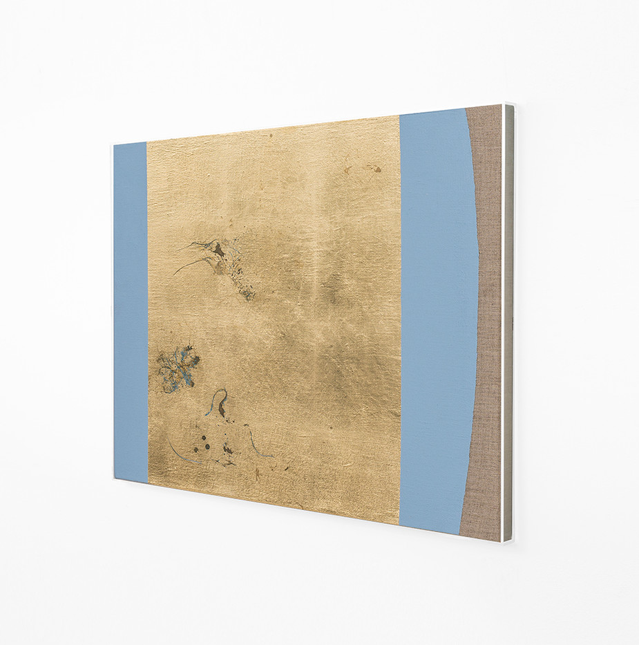 Pierre Vermeulen | Hair orchid sweat print, azure blue form (Side View) | 2018 | Sweat, Gold Leaf Imitate, Shellac and Acrylic on Belgian Linen | 50 x 58 cm