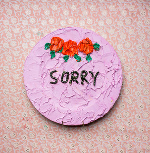 Georgina Gratrix | Sorry Cake Plate | 2016 | Oil on Ceramic | 31 cm