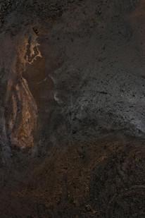Simphiwe Buthelezi | Ilanga elimnyama (Dark day) | 2020 | Earth, Oxide Powder and Varnish on Canvas | 120 x 100 cm