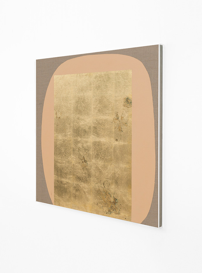Pierre Vermeulen | Hair orchid sweat print, peach form (Side View) | 2018 | Sweat, Gold Leaf Imitate, Shellac and Acrylic on Belgian Linen | 95 x 82 cm